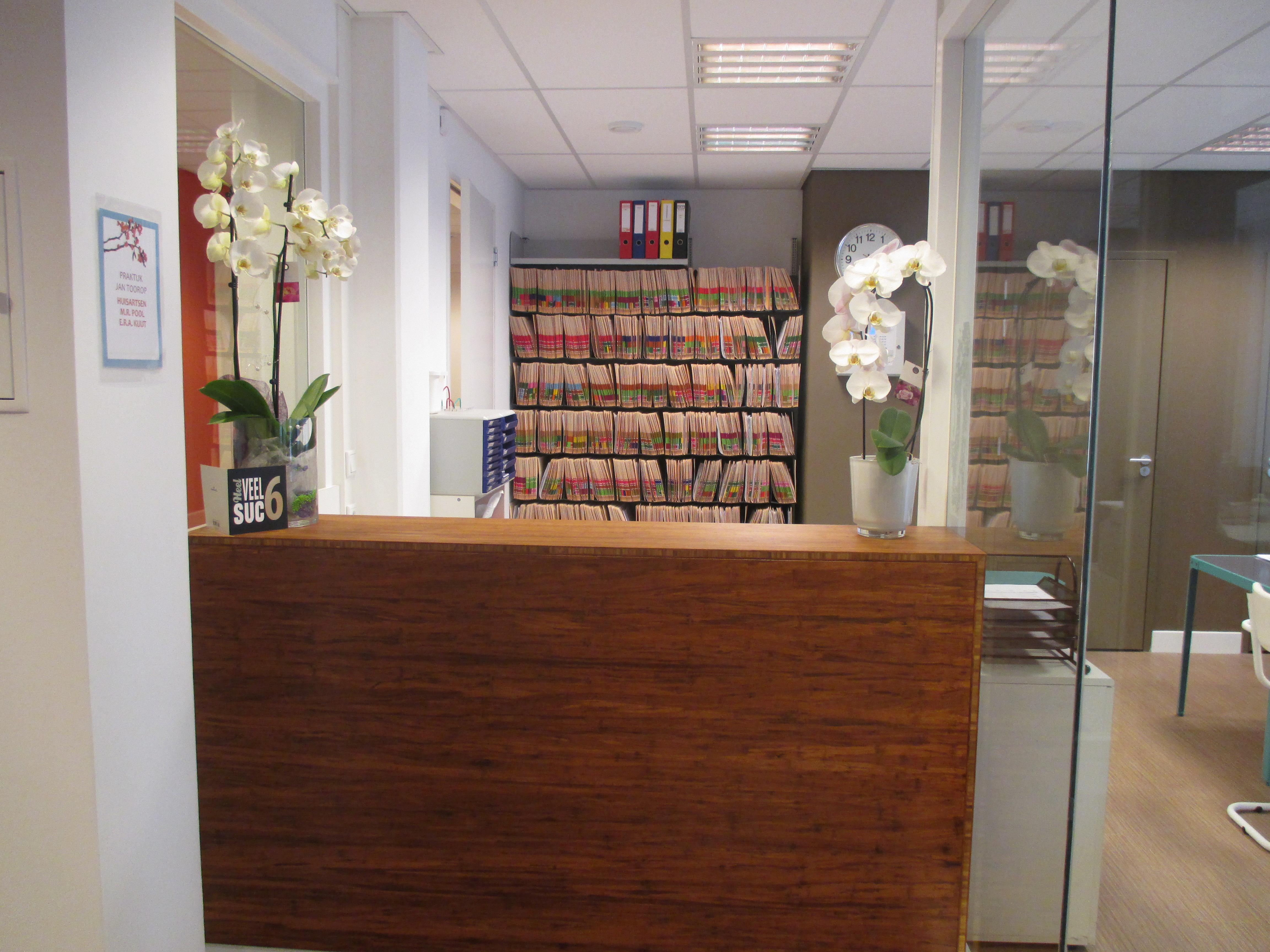 Interieurontwerp huisartsenpraktijk amsterdam the in for Interieurontwerp amsterdam